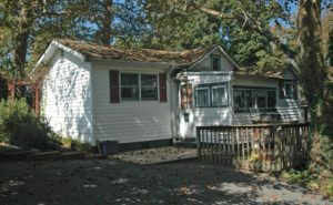 Double Lot with Cute Cottage in Crystal Beach