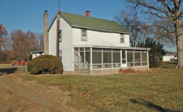 Farm House on 4 acres